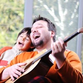 5 начини како вашето дете да ја засакамузиката