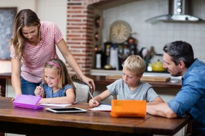 Помош при читање, математика и домашна работа во основноучилиште